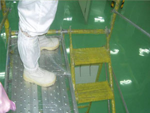 活動鷹架外部使用防護膠膜包覆