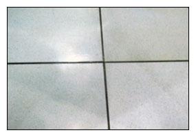 高架地板清潔後
