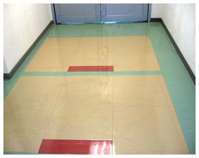 塑膠地板清洗上臘成品